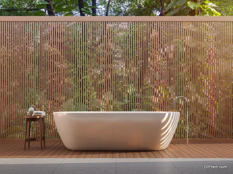 Claw-foot hot tub