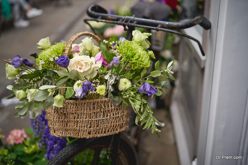 Vintage basket bouquet